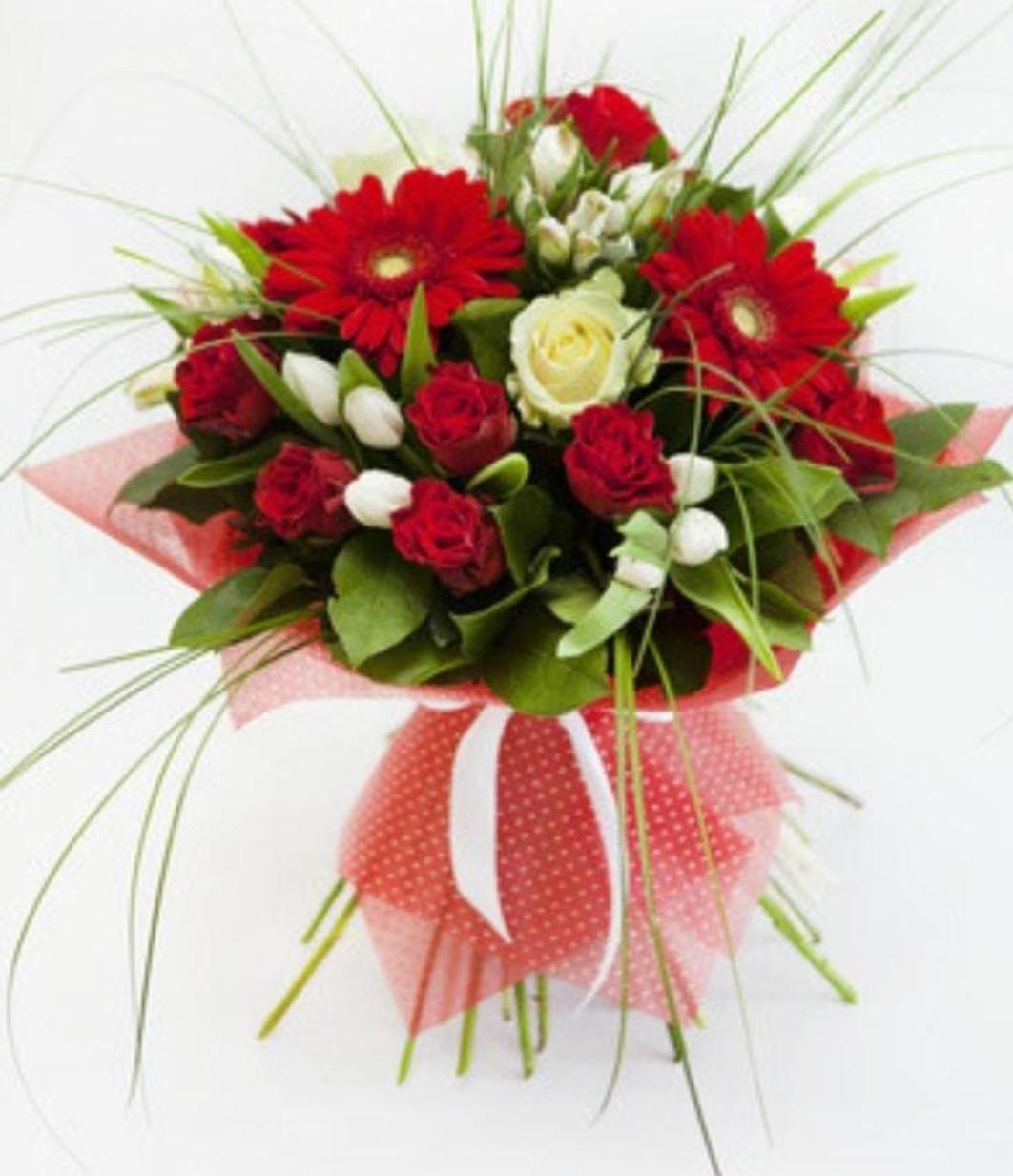 Mazzo Di Fiori X Laurea.Bouquet Laureato Oasi Dei Fiori